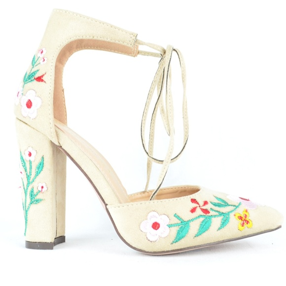 94f0dfd5a7f Women s Nude Floral D orsay Chunky Heel Pump